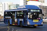 Seoul Bus 705 - Hyundai - Super Aero City (Wheelchair Accessible Low-entrance) - Namdaemun Road (16374090867).jpg