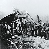 Shaft Huntington Copper Mine Bolton QC 1867.jpg