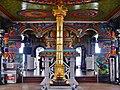 Singapore Tempel Sri Srinvasa Perumal Innen 4.jpg