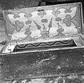"""Skrinja, znotraj poslikana, težka, hrastova, pri hiši """"od nekdaj"""", pri Štokovih, Gabrk 1955.jpg"""