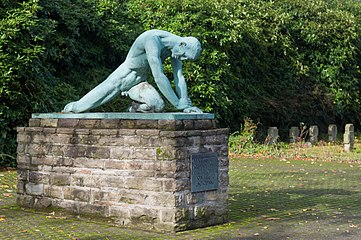 "Grugapark, Sculpture ""Trauer"" by Joseph Enseling"