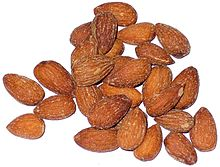 Smoked almonds, ready for eating
