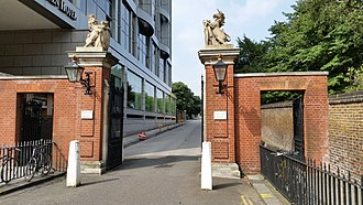 Coade stone - Lion and Unicorn, entrance to Kensington Palace