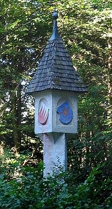marcatore di confine medievale dell'abbazia di St Georgenberg-Fiecht Abbey, Tirolo.