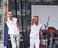 Stephan Runge und Claus Vincon - CSD 2006 Cologne - Bühne Heumarkt - Aloha-Ruf.jpg