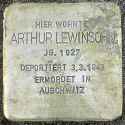 Photo of Artur Lewinsohn brass plaque