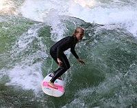 Surfing Eisbach Englischer Garten Muenchen-3.jpg