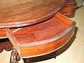 Table violon tiroir.jpg