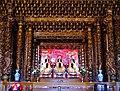 Taipeh Guandu Temple Haupthalle Innen 05.jpg