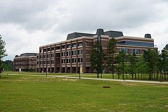 Texas A&M University–Texarkana - Image: Texas A&M University–Texarkana April 2016 08 (University Center and Science & Technology Building)
