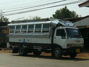 Songthaew - Hino Songthaew (truck bus)