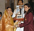 "The President, Smt. Pratibha Devisingh Patil presenting the ""Arjuna"" Award – 2007, to Ms. Avneet Kaur Sidhu (Shooting), in New Delhi on August 29, 2008.jpg"