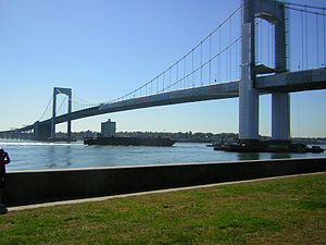 Throgs Neck Bridge - Image: Throgsneckbarge