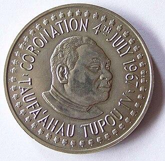 Tāufaʻāhau Tupou IV - 2 paʻanga coin commemorating Taufa'ahau Tupou's coronation in 1967.