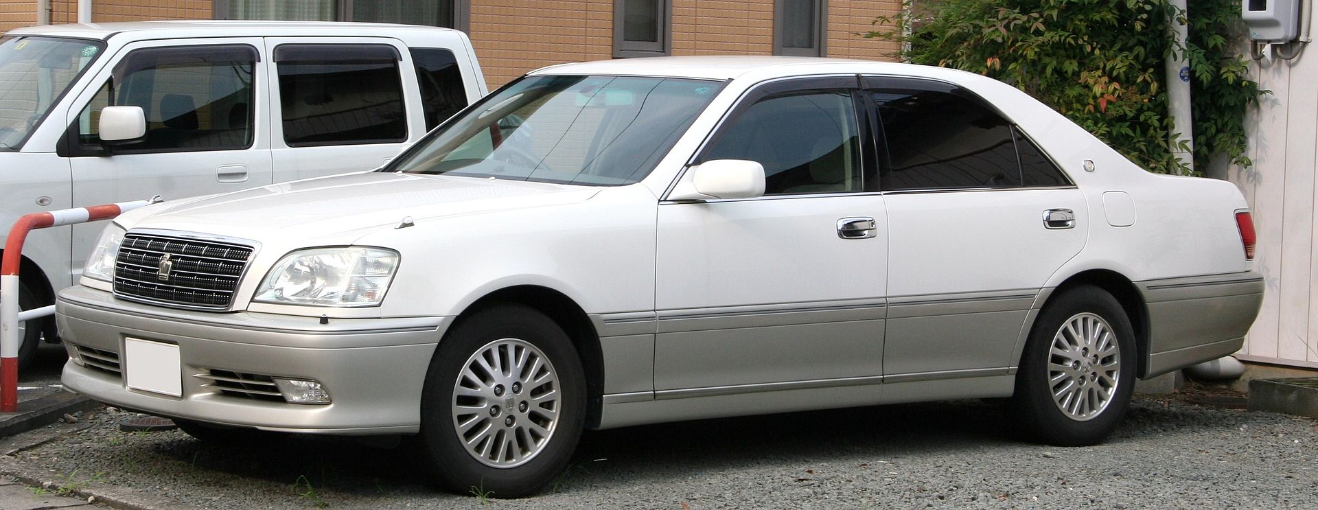 Toyota Crown Royal S170.jpg