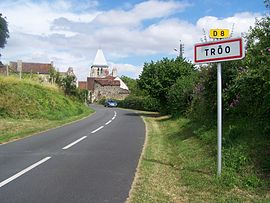 The road into Trôo