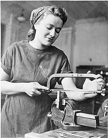 Training For War Work- Chiswick Polytechnic, Turnham Green, 1941 D3792.jpg
