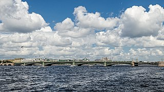 Trinity Bridge in Saint Petersburg 02.jpg