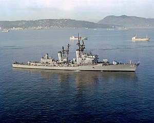 USS Mahan (DDG-42) anchored off Toulon, France, on 12 November 1979 (6349051)