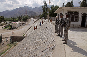 Asadabad District - U.S. soldiers from the 10th Mountain Division providing security in Asadabad