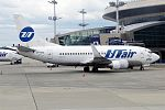 UTair, VP-BYK, Boeing 737-524 (16456254605) (2).jpg