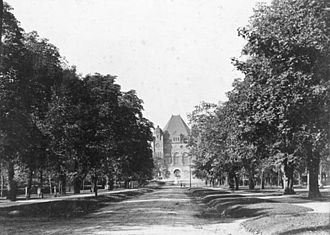 University Avenue (Toronto) - University Avenue near College Street, circa 1900