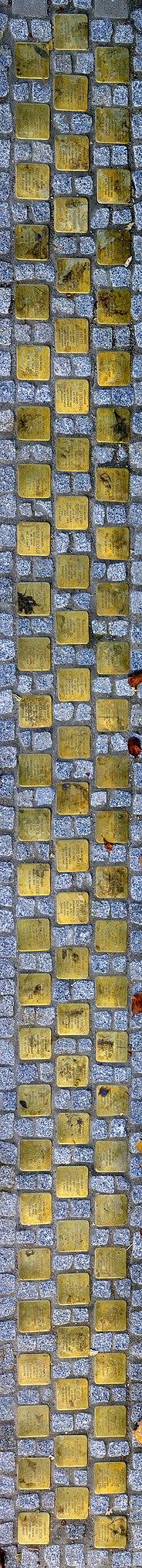 81 Stolpersteine Mozartstrasse rechts vom Eingang des St. Bonifatius Wohn- und Pflegeheims