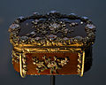 V and A Museum snuffbox 28072013 04.jpg