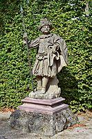 Veitshöchheim - Hofgarten - Schweizergardist am Fasanentor.jpg