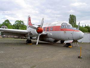 Vickers 668 Varsity T.1 registration WF-382 23MU Alliierte in Berlin.JPG
