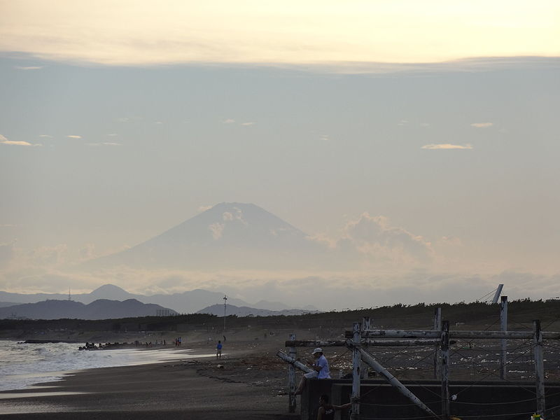 File:View of Mt.Fuji from the beach near Enoshima Island.JPG