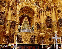 http://upload.wikimedia.org/wikipedia/commons/thumb/a/ae/Virgen_Rocio.jpg/200px-Virgen_Rocio.jpg