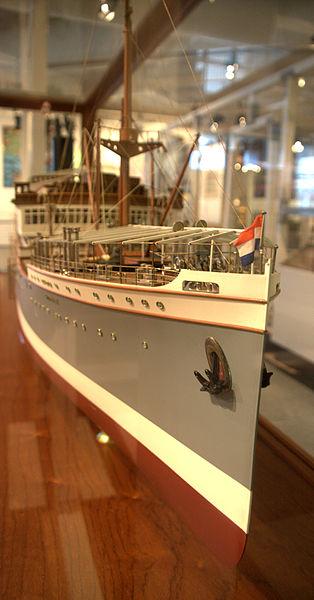 File:WLANL - Quistnix! - Maritiem Museum - Scheepsmodel van de 'Sibajak' (KRL).jpg