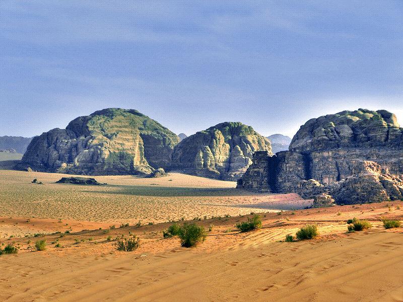 ✰✰ الأردن _سياحة علاجية و جولة في التاريخ القديم_✰✰ 800px-Wadi_Rum5.jpeg