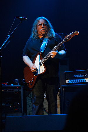 Warren Haynes - Haynes playing with Gov't Mule in 2008.