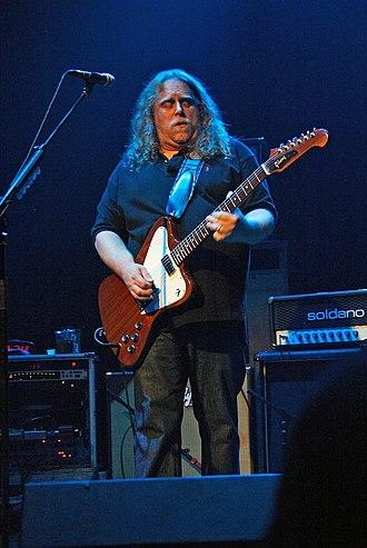 Warren Haynes - Haynes playing with Gov't Mule in 2008.