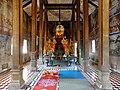 Wat Kampong Tralach Leu Vihara 20.jpg