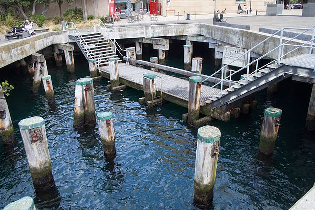 File Wellington Harbour Swimming Pool In The Sea 2016 01 25 Wikimedia Commons