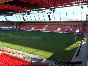 Die Continental Arena im August 2015 mit Blick auf die Westtribüne