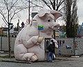 Wien, Schwein als Geldautomat.jpg