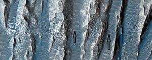 Transverse aeolian ridges - Image: Wiki ESP 039563 1730yardangsclose