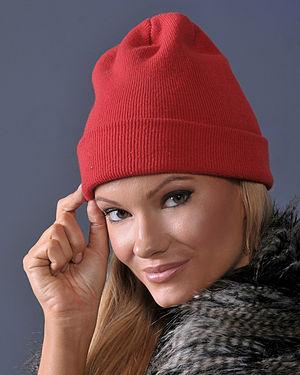 Knit cap - Woman wearing a modern red knit cap