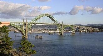 Yaquina Bay Bridge - Image: Yaquina Bay Bridge 1
