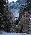 Yosemite Falls in Winter (8187670742).jpg