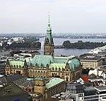 Вид на ратушу Гамбурга.jpg