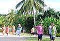 Женщины из деревни Фалеу, остров Маноно (Самоа).jpg