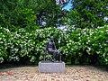 Памятник Лермонтову в Тарханах.jpg