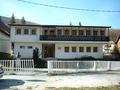 Поранешен спомен дом на Чеде Филиповски - Даме во село Никифорово (сегашна ски школа, хостел).png