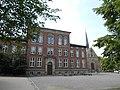 Ринтельн, школа Хильдбургшуле и церковь св. Иакова.jpg