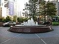 帝王大厦前的小小喷泉 - panoramio.jpg